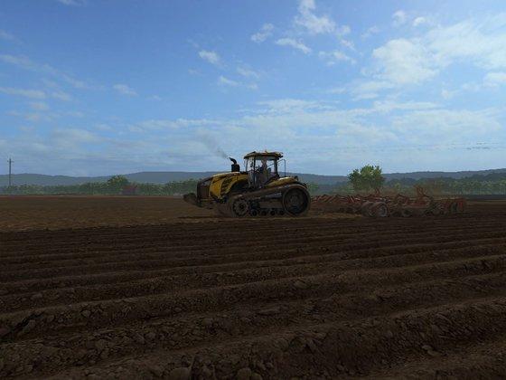 Challenger MT Raupenschlepper bei der Bodenbearbeitung