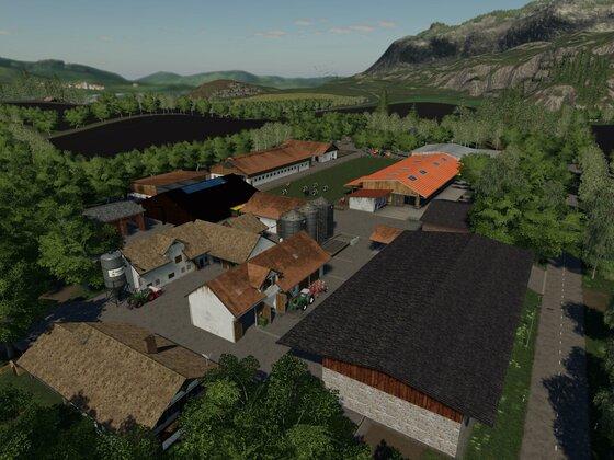 Der Hof auf der Felsbrunn: Maschinenhallen, Getreidesilo, Werkstatt usw.