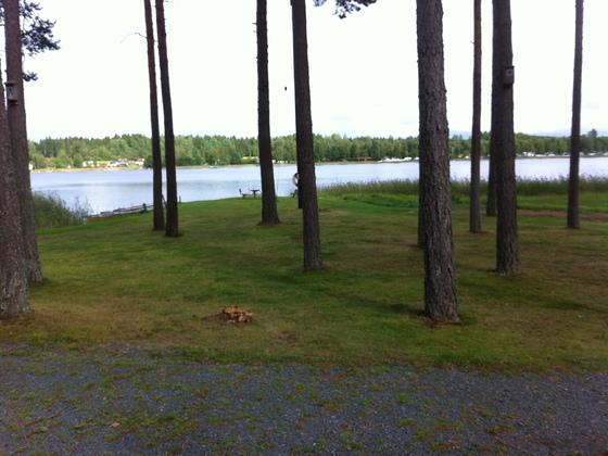 Blick von der Terasse auf den See